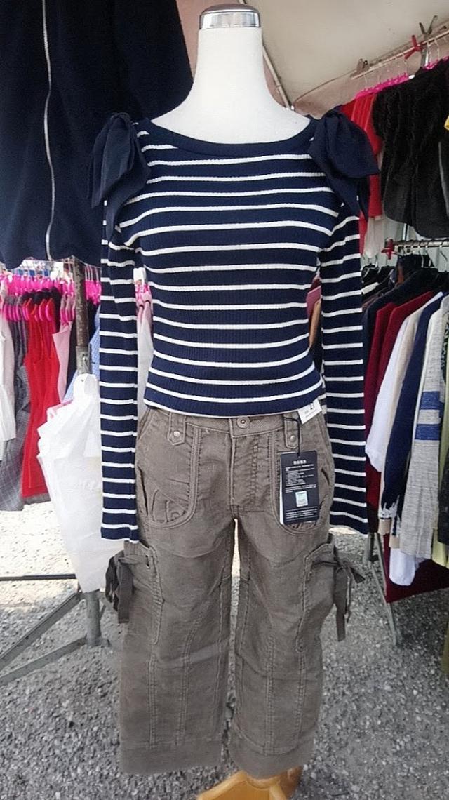 82.特賣 批發 可選碼 選款 服裝 男裝 女裝 童裝 T恤 洋裝 連衣裙