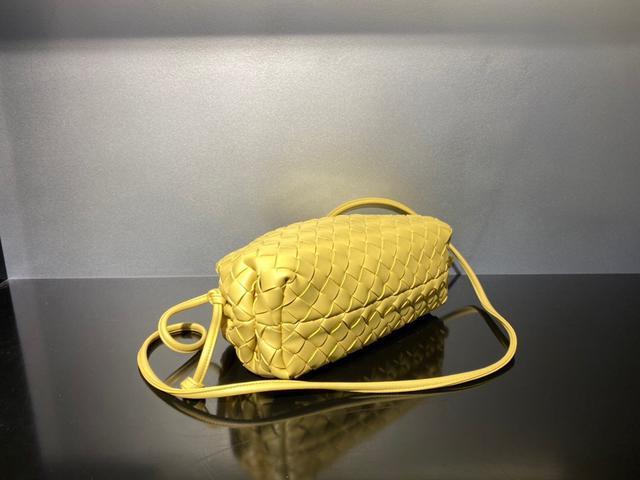 高级感满屏的Bottega veneta͙.͙饺子包