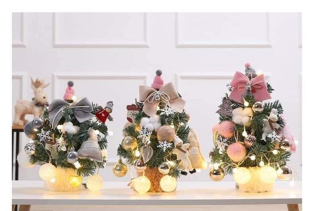 迷你人造聖誕樹