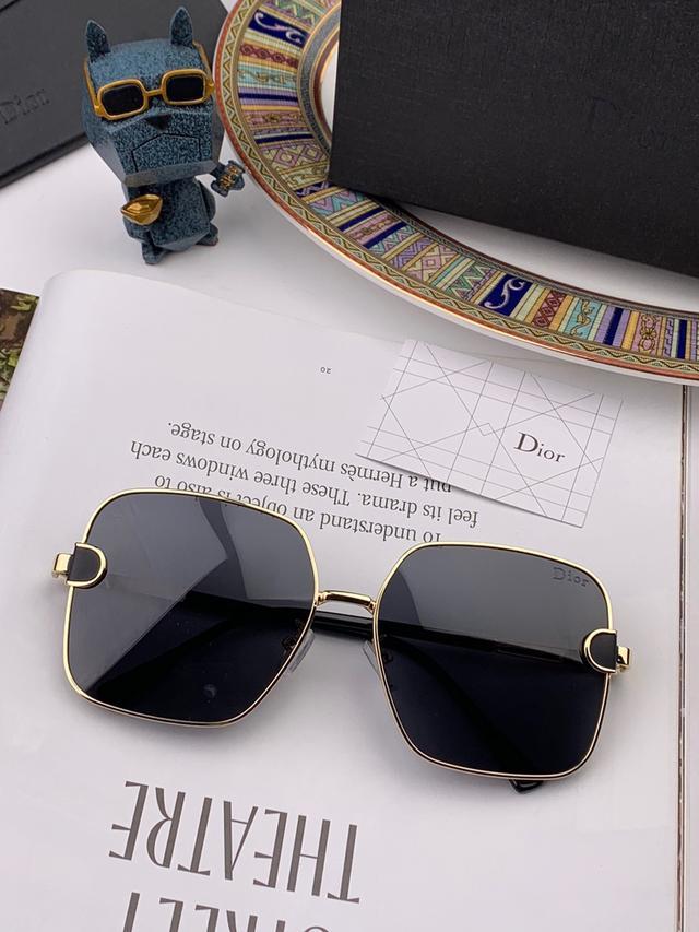 【DIOR-迪奥】2020开ba春新款 潮流爆款 时尚方框偏光太阳镜