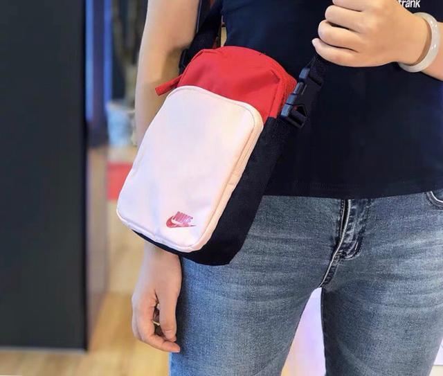 Nike耐克单肩包男女包休闲旅行包