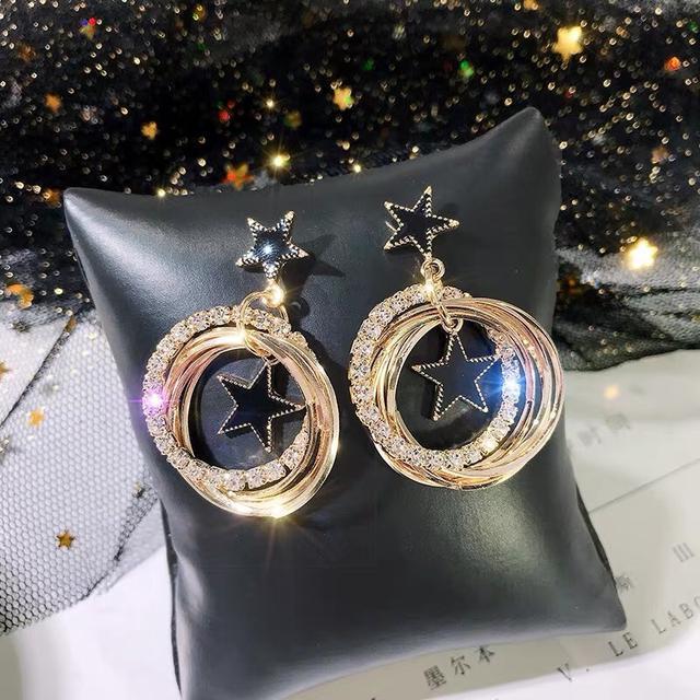 韩国气质耳坠女会动的星星耳钉时尚大气款网红饰品超仙女神银耳饰