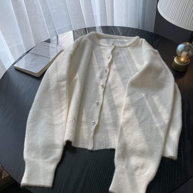 【預購】基本款珍珠釦針織外套