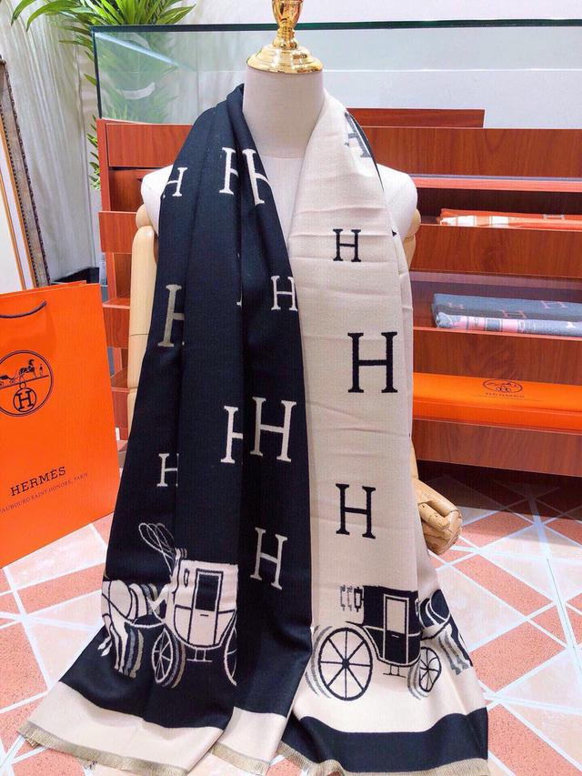 118760 愛馬仕(Hermès)2020年度秋冬新款 強烈推薦的一款絲巾圍巾 180*70