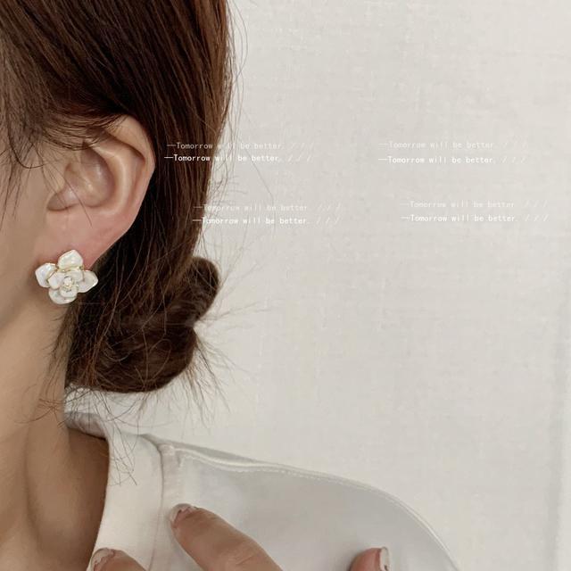 小香閃立體高級感925銀針山茶花耳釘女鍍14K溫柔唯美耳飾白色耳環