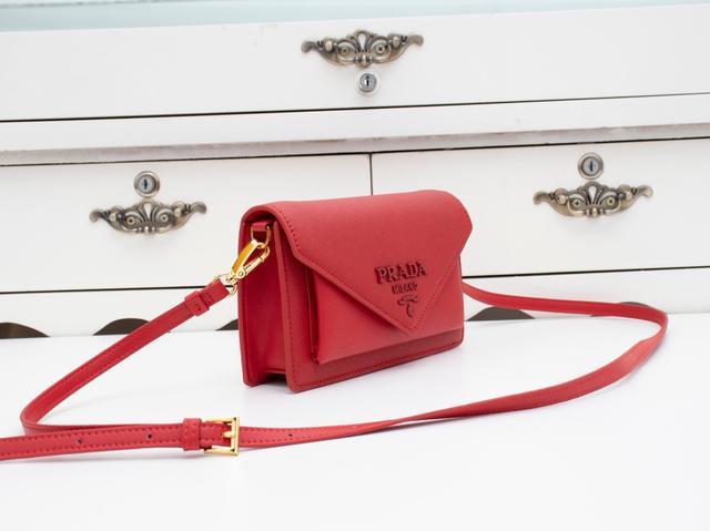 家p-020专柜最新款女士斜挎包皮包