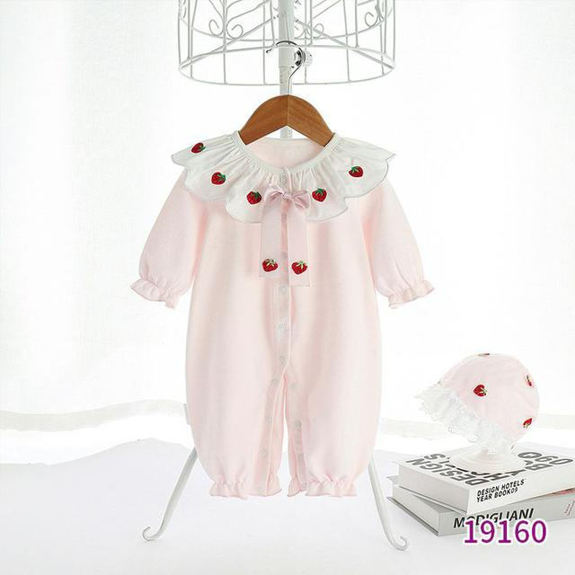 天靜童裝2021年春秋新款單排扣粉色連體可愛草莓新生兒長袖爬服