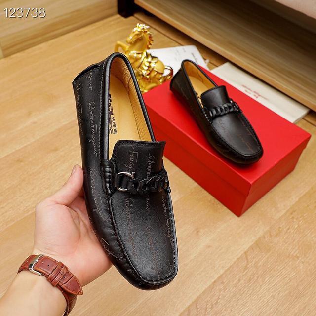 菲拉格幕(Ferragamo)新款男士休閒套腳鞋