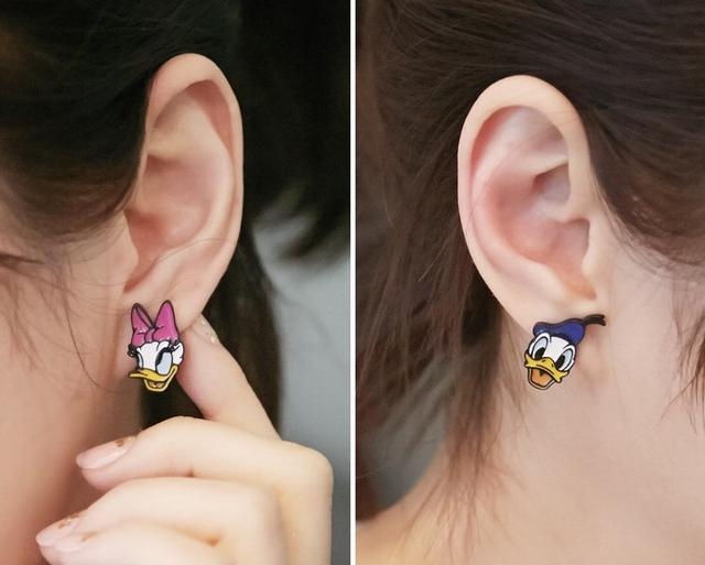 唐老鴨耳環-合金