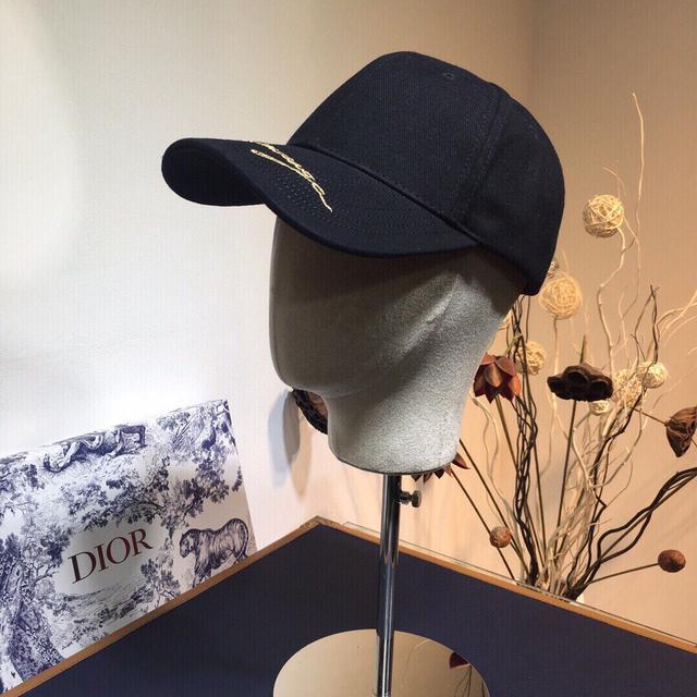 上新ꫛꫀꪝ ❥一一❤ Balenciaga巴黎世家棒球帽🧢 20INS爆款鸭舌帽,各路明星同款,