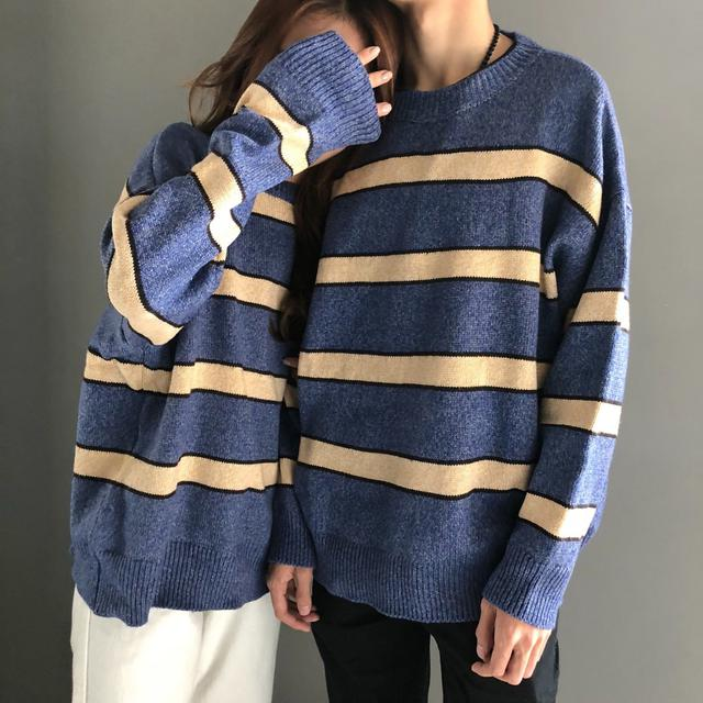 11  oversized情侶裝拼色條紋針織衫(2色)
