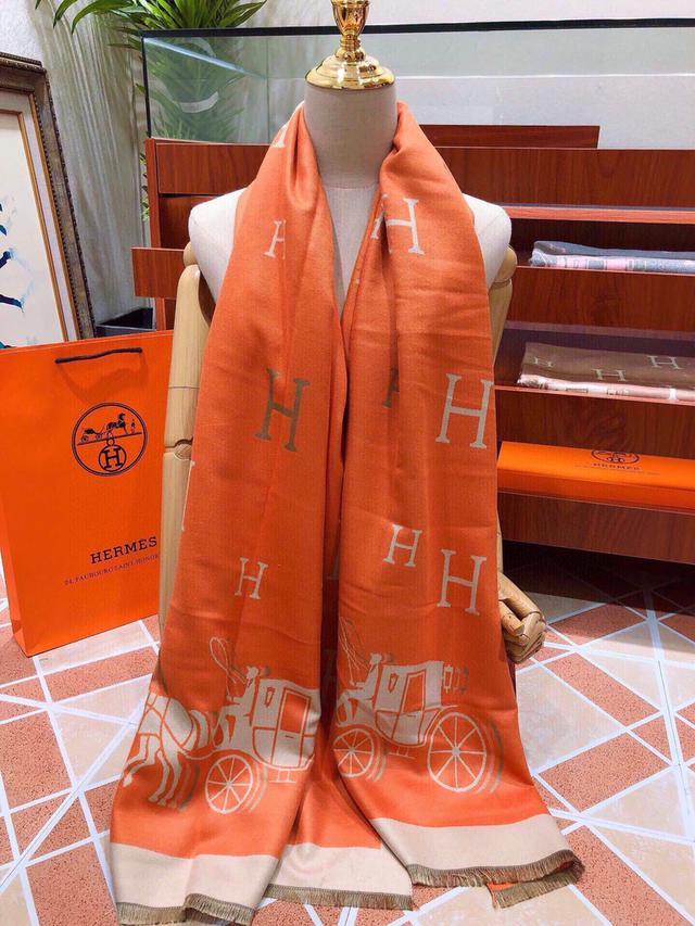 118763愛馬仕(Hermès)2020年度秋冬新款 強烈推薦的一款絲巾圍巾 180*70