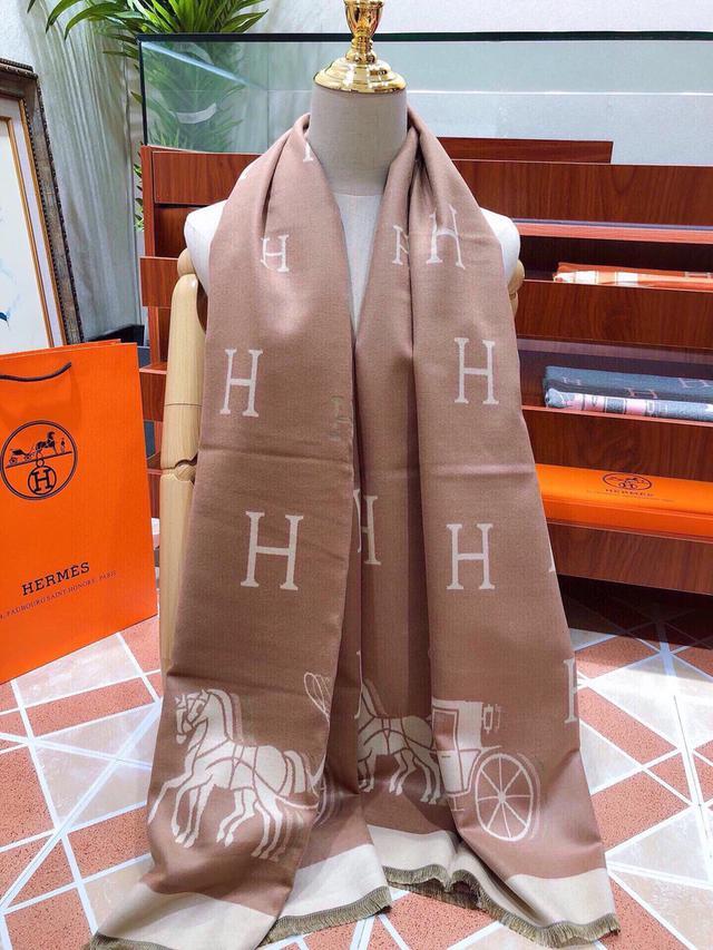 118762愛馬仕(Hermès)2020年度秋冬新款 強烈推薦的一款絲巾圍巾 180*70