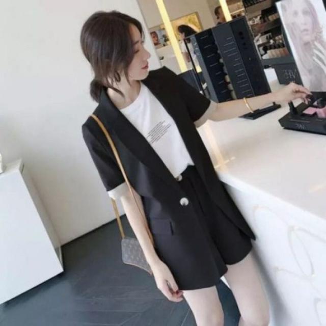 2021夏裝新款韓版休閒寬鬆小西服兩件套裝西裝外套短褲時尚套裝女
