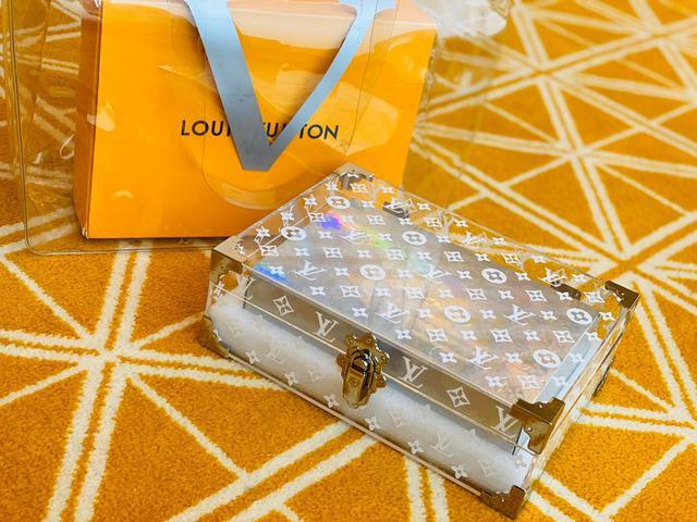 LV鐳射透明巧克力盒