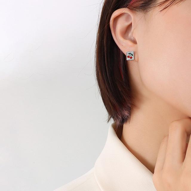 choker法式IG冷淡風熱銷小清新方框小櫻桃設計流行鈦鋼18K耳環女