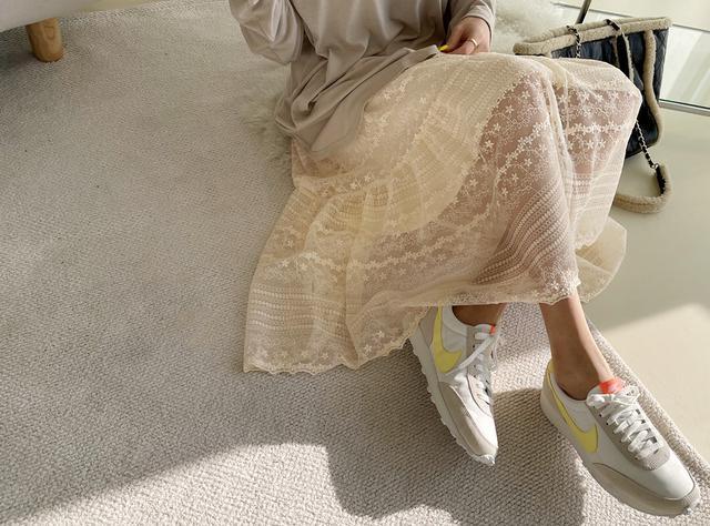 正韓-蕾絲鬆腰半身裙