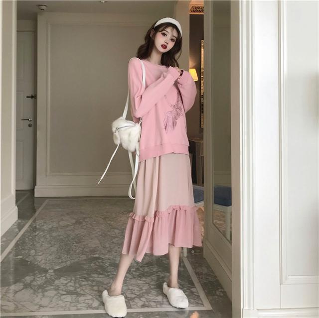 11 刺繡仙鶴加絨衛衣+撞色吊帶裙 套裝