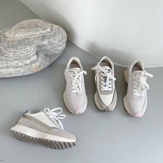 正韓流線型復古鞋款