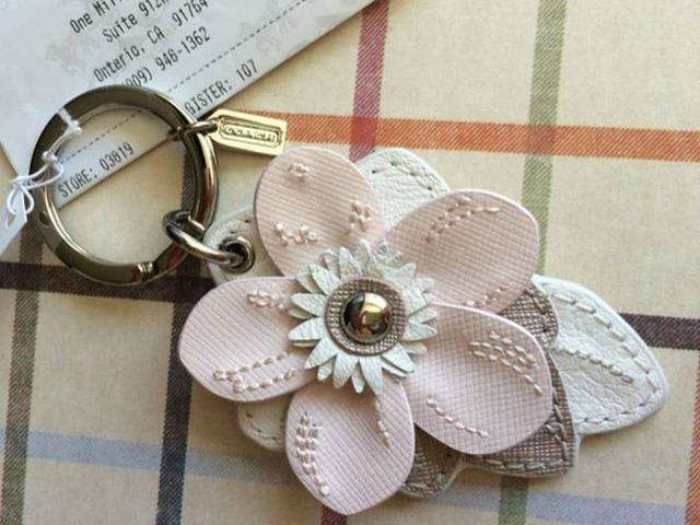 全新真品 Coach 69956 粉色花朵皮革鑰匙圈