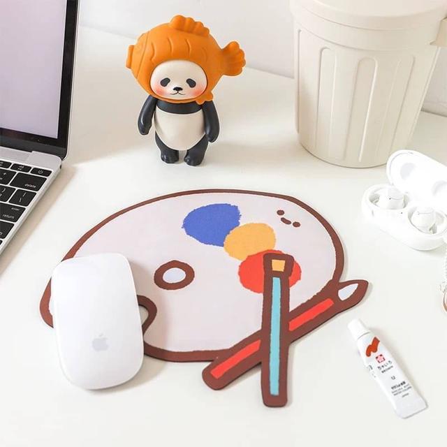 電腦周邊卡通少女滑鼠墊 學生辦公桌面防滑墊可愛鼠標墊 橡膠磨砂材質桌墊筆電