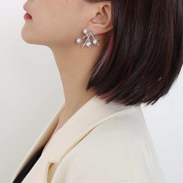 歐美IG風不規則仿珍珠耳扣鈦鋼材質鍍18k金冷淡風耳釘耳環