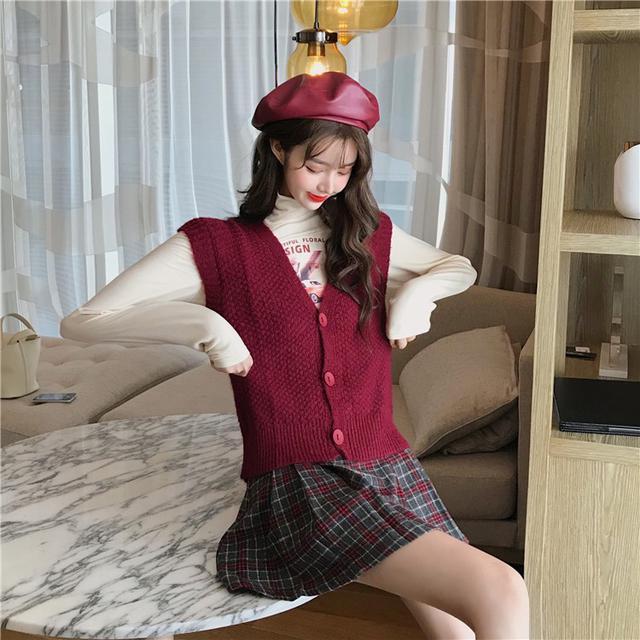 11 毛衣馬甲+磨毛高領T恤+毛呢格子百褶裙