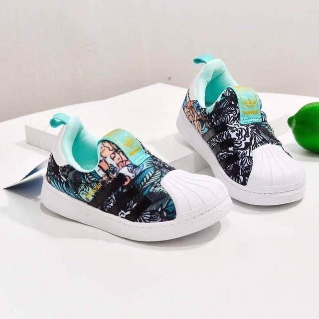 190826019『愛迪達貝殼頭兒童運動鞋』