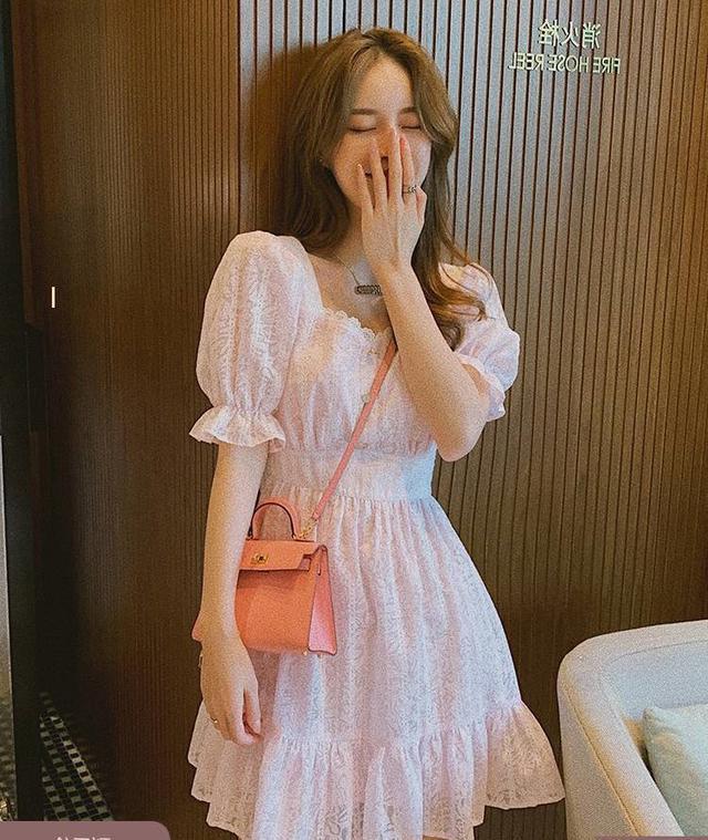 草莓奶昔連衣裙