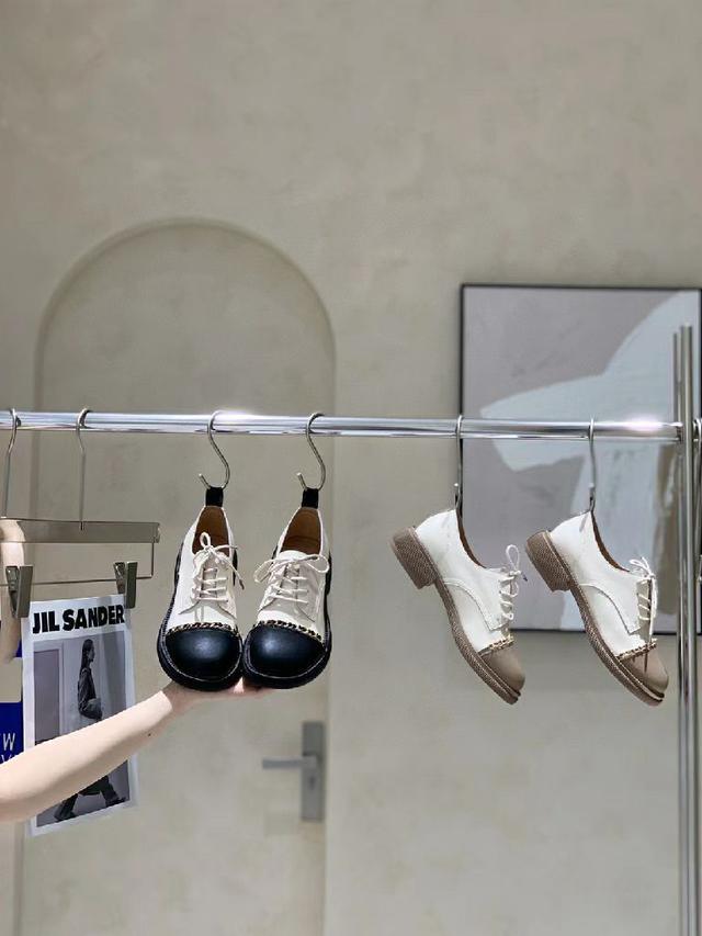香奈兒復古鏈條真皮休閒鞋